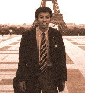 Kyoji has been to Paris in 1998 by tour conductor of FIFA World cup